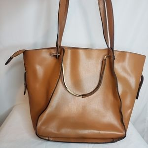 Moda luxe tote bag with removable pouch *demo